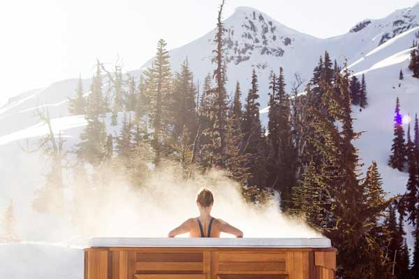 5 great hot tub health benefits (and the science of hot water therapy)